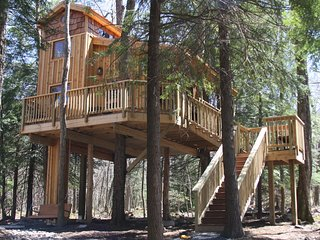 Ella's Enchanted Treehouses - The Eagles Nest