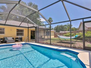 New to rental market - 1 Floor Pool Home, WiFi, Near Marble Park/Tennis/Olympic