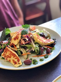 Melbourne dining offers cuisine to suite every taste and budget.
