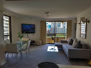 Sydney Hyde Park APT 1005