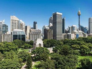 Sydney Hyde Park APT 1405