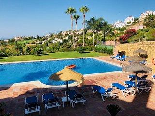 Groot huis op Los Arqueros Golf Benahavis - Marbella
