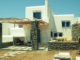 Almyra Yellow Villa Kithnos