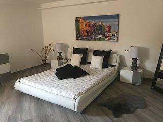 Monica's apartement