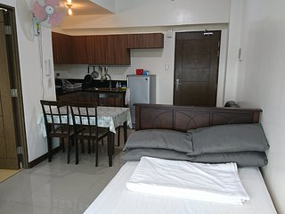 Magnolia Residences | Semi 2BR Condo beside Robinsons Magnolia mall | 4 Adults