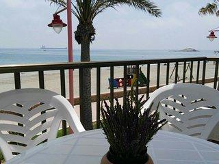 Apto. 1a Linea de Playa con WIFI en CARBONERAS