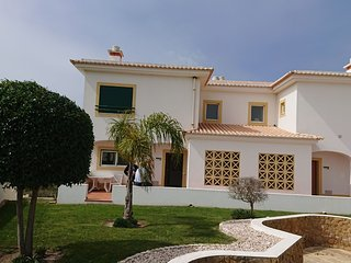 Exceptional 3 bedroom large linked Villa with pool and jacuzzi