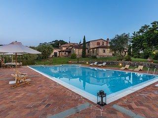 4 bedroom Villa in Grotta Giusti, Tuscany, Italy : ref 5644482