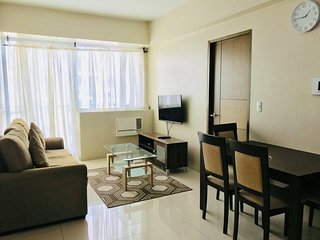 One Palmtree | 2Bedroom across Airport | 6 Adults | TRANSPORT AVAILABLE