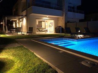 Novigrad - Istria, Villa Minerva B, vista mare, 3 camere, piscina privata