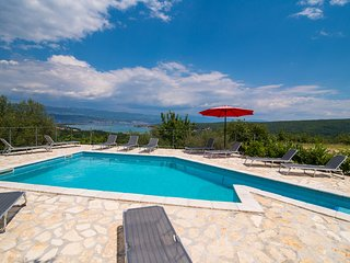 Holiday Apartment Angelina With Seaview And Swimming Pool