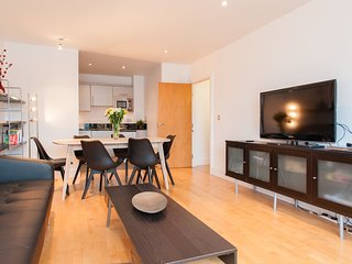 Large 2-bed flat London Bridge, sleeps 6