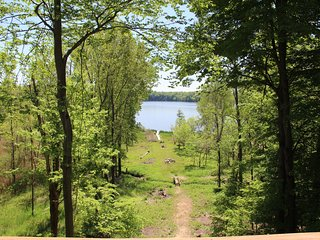 Large Lakefront home on Lake Allegan. 4.5 acres - Game room, Deck, Fire Pit, etc