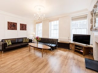 Authentic 3 Bed Historic house Soho, London