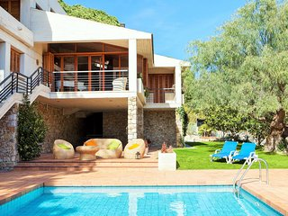ROCA FERRERA -  Great house in luxury urbanization - private pool, BBQ and