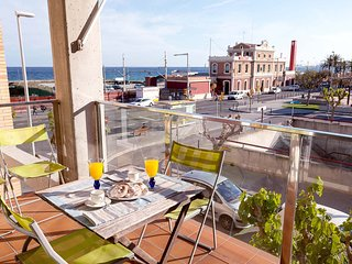 MEDITERRANIA - SEAFRONT APARTMENT - 4 minutes from the beach and 1 minute from