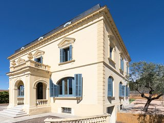 CASA MARIEL - HISTORIC AND NEWLY RENOVATED - Elegant house with high ceilings