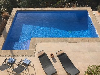 ROMANI - SPACIOUS AND INTIMATE - Elegant Villa with garden, private pool