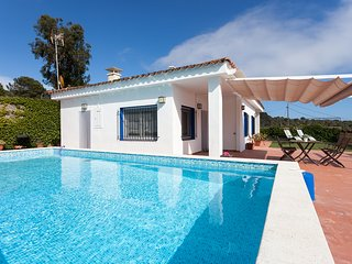 SANT POL DE MAR - ISOLATED AND INTIMATE - House with private pool 5 minutes