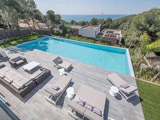 Exclusive Tamarit Villa