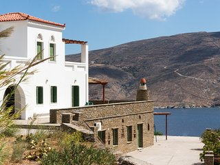 Villa Althea with spectacular views, by JJ Hospitality
