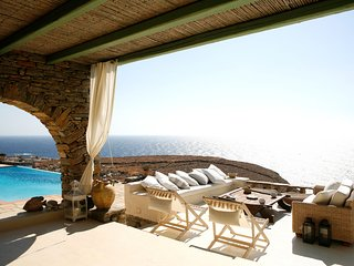 Villa Martha with pool and stunning views by JJ Hospitality