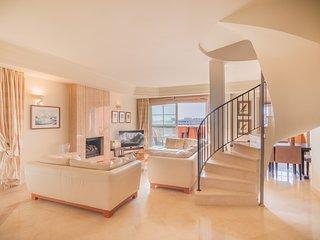 Penthouse Apartment- Puerto Banus