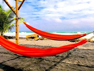 4-Robinson Crusoe's Paradise Tropical Beach (Family Room - 2)