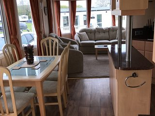 Platinum Caravan, Parkdean Resorts, Borth