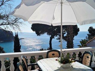 Fabulosa casa de dos plantas con increíbles vistas en Cala Canyelles