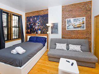 Charming studio on Upper East Side