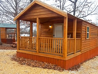 Choctaw: Sleeps 5, 1 BD, 1 Bath, Wifi, Pet Friendly