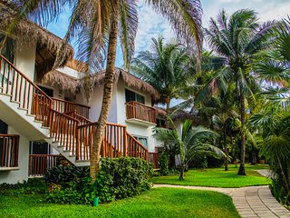 Spectacular Relaxing Beachfront in the unique AKUMAL BAY 3B5