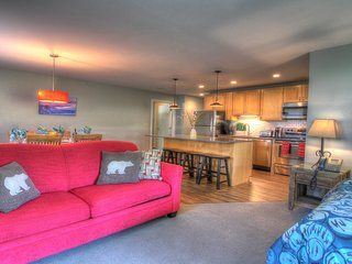 Suites at Killington: Luxury 2 BR Resort Ski Condo