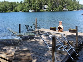 Lovely Waterfront Cottage in Meredith on Lake Winnipesaukee (SIS17Wf)