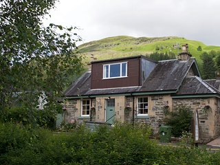 Tigh Muileann, large holiday home for families or groups in Killin