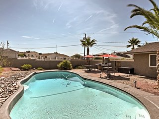 NEW! Beautiful Home w/Pool - 15 min to Lake Havasu