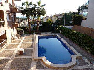 Bonito apartamento en Salou con vistas al mar, a 5 minutos de la playa