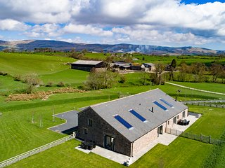 Low Ploughlands Holiday Lets- Keld & Brockram Barn
