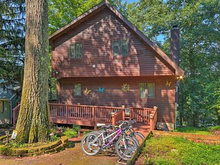 Lakefront Greentown Home w/ Private Dock & Kayaks!