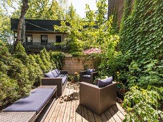 Beautiful Garden Apartment (Gay Village)