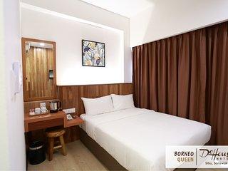 De House Hotel (Borneo Queen 1)