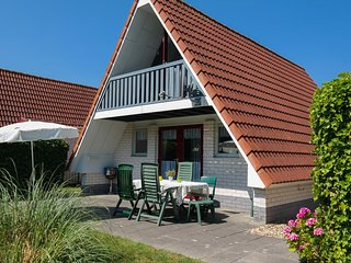 Sleeps 6. Lovely cottage with garden a canal by the sea and National Park