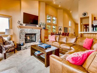 Ideal In-Town Location, Walk to Main Street & the Quicksilver Lift in Minutes