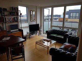 Kingsland Road 305 · Modern 1 Bed Apartment Near Haggerston Station