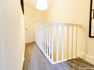 1 Ridley Road · ★Cosy HOME from home ★ by city centre ★ parking★