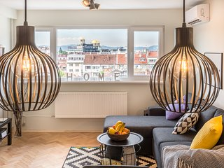 Top Center! Two Bedrooms| Stunning Views