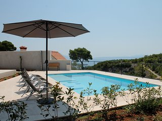 SEA VIEW MODERN VILLA WITH POOL FOR RENT, BRAC ISLAND