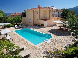 Villa Karavomylos II