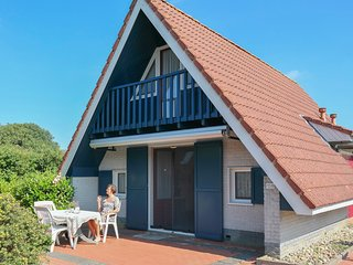 6 pers. house on a typical dutch gracht, close to the National Park Lauwersmeer